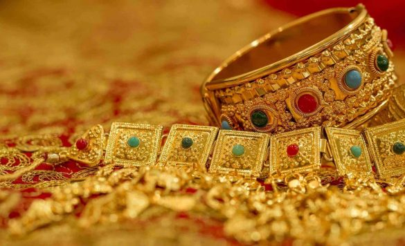 Cash for Gold: 8 Places That Pay for Your Jewelry Online